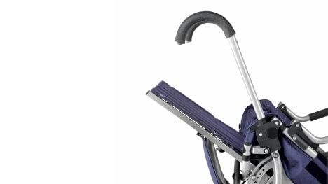 Lisa, składana spacerówka dziecięca - regulacja kąta oparcia