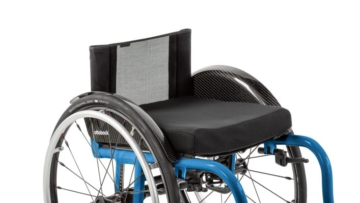 Zenit CLT wheelchair for active use, carbon foot plate