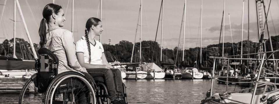 Ottobock's Zenit R wheelchair for active use – scene: two wheelchair users on a dock
