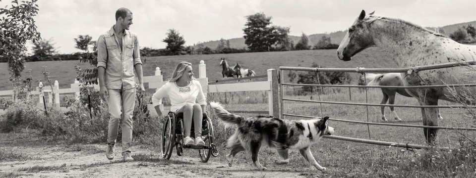 Wheelchair user in the Avantgarde DS with her dog and partner.