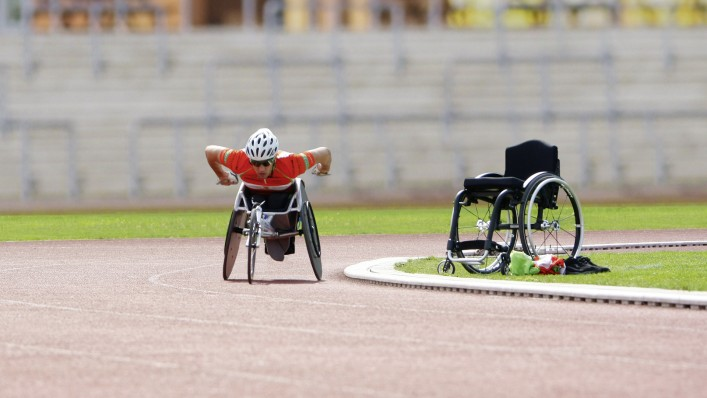 Tom at the wheelchair marathon with his Voyager Evo.