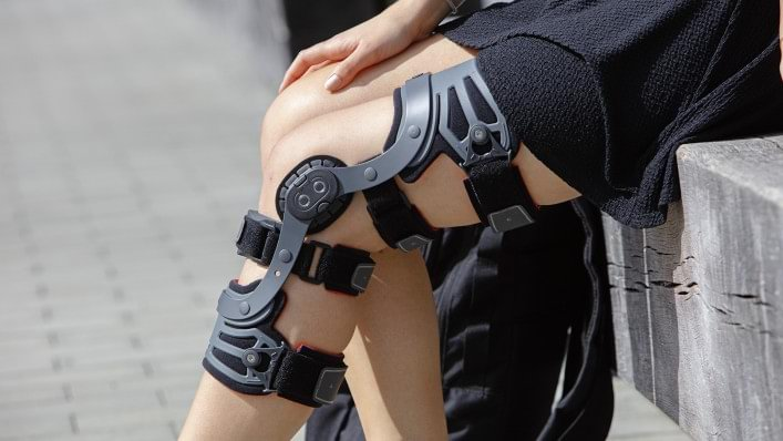 Ottobock's Genu Arexa knee brace on a patient's leg