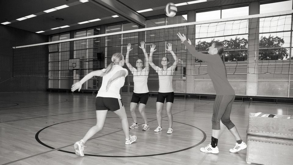Jana with the Malleo TriStep ankle orthosis during volleyball training with her team.