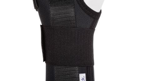 Central strap of the Manu ComforT and Manu ComforT Stable wrist orthoses.