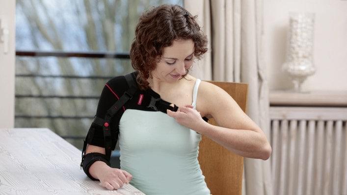 vállízület fáj egy stroke után milyen ételek ízületi fájdalmak