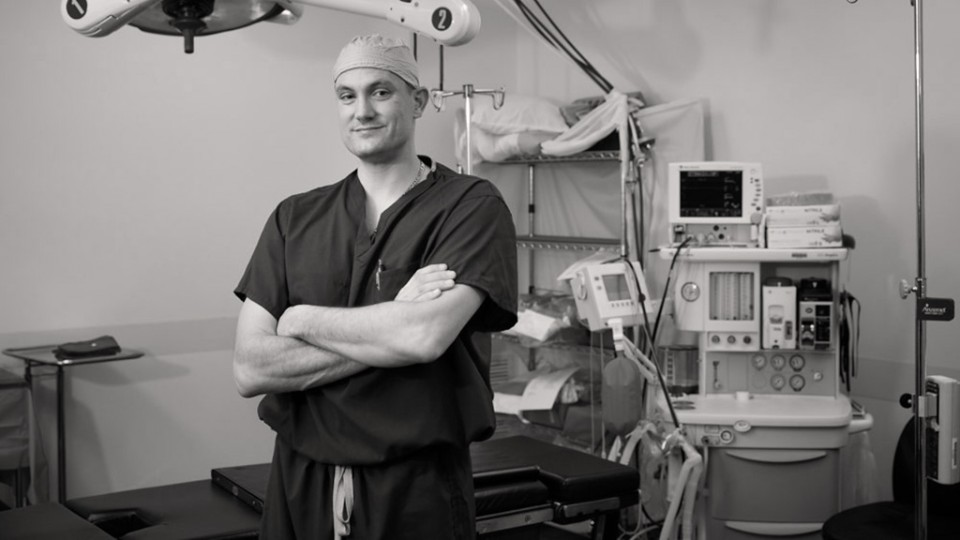 Matt works as a general orthopedist with the help of his Genium knee.