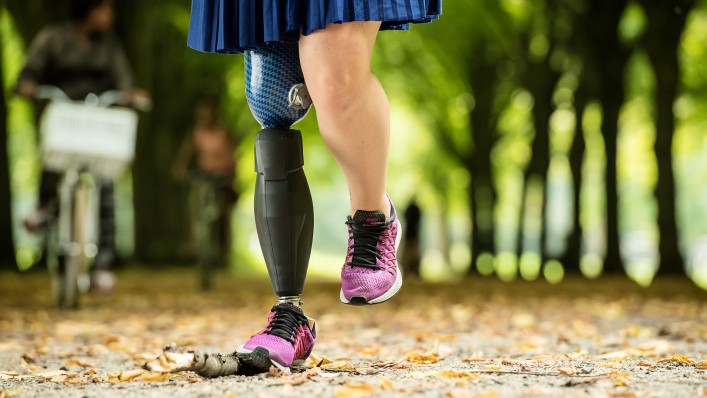 Now that she has the Triton side flex, Marije enjoys walking in the city park – despite the bumps or obstacles she might run into.