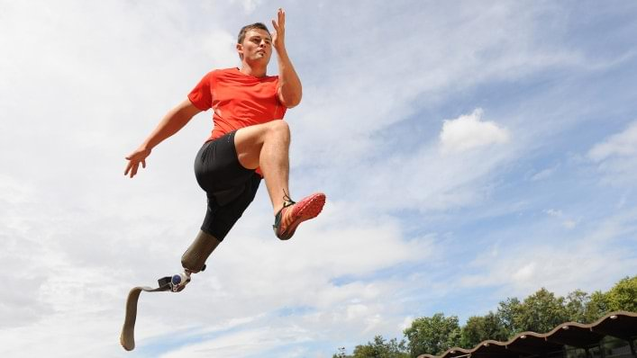Heinrich Popow during long jump training for Paralympics.