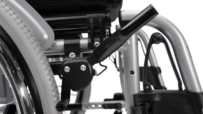 Knee level brake of a Motus wheelchair